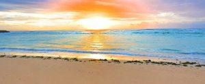 海に沈む美しい夕焼け