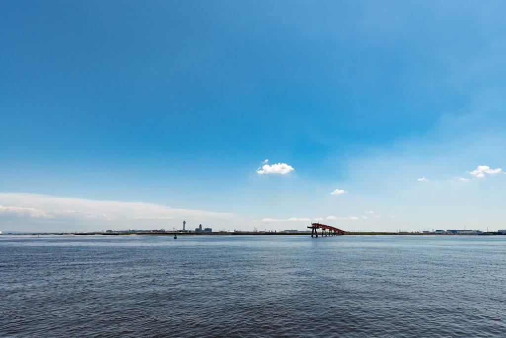 穏やかな海と青空