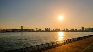 東京湾と夕日