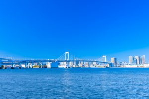東京湾から見える都会の街並み