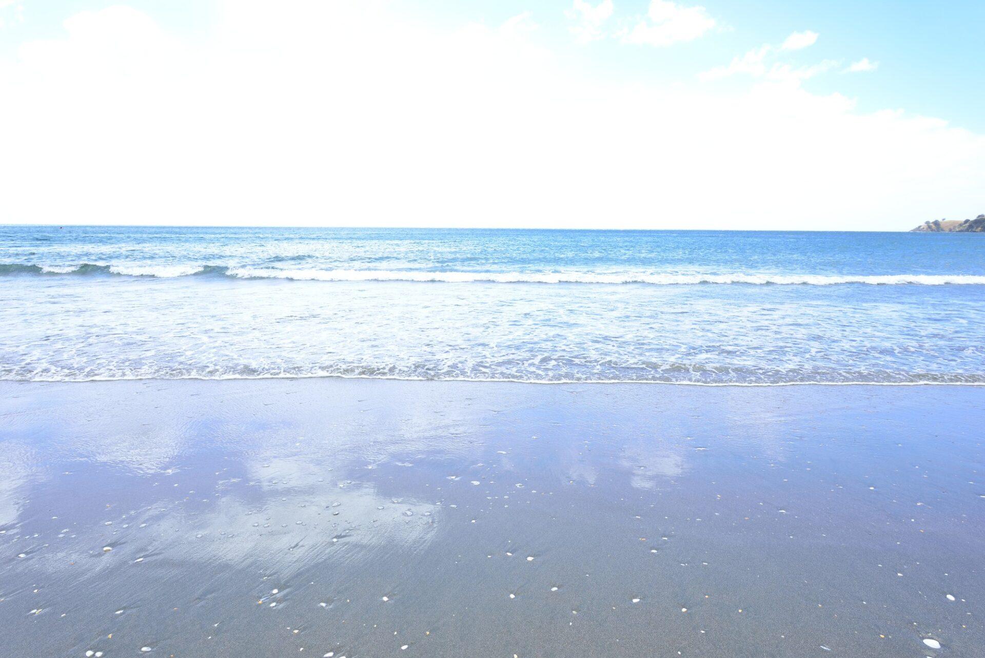 波打ち際から見える水平線
