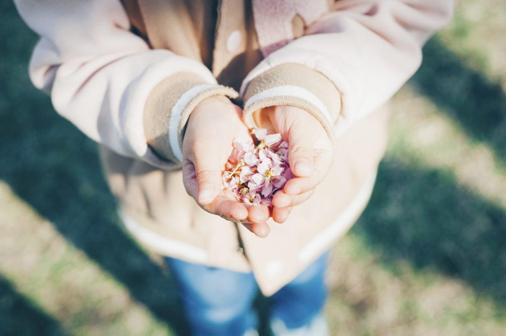 花びらを持つ人