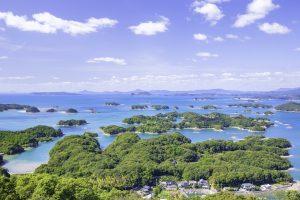 海と小さい島々