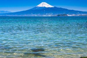 富士山が見える海