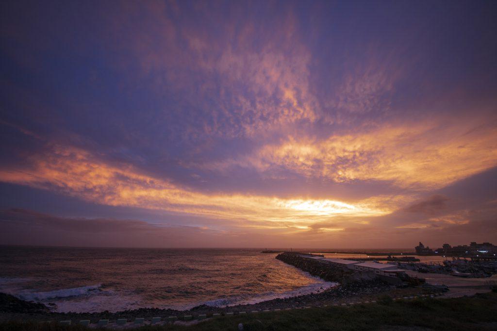 夕焼けと海
