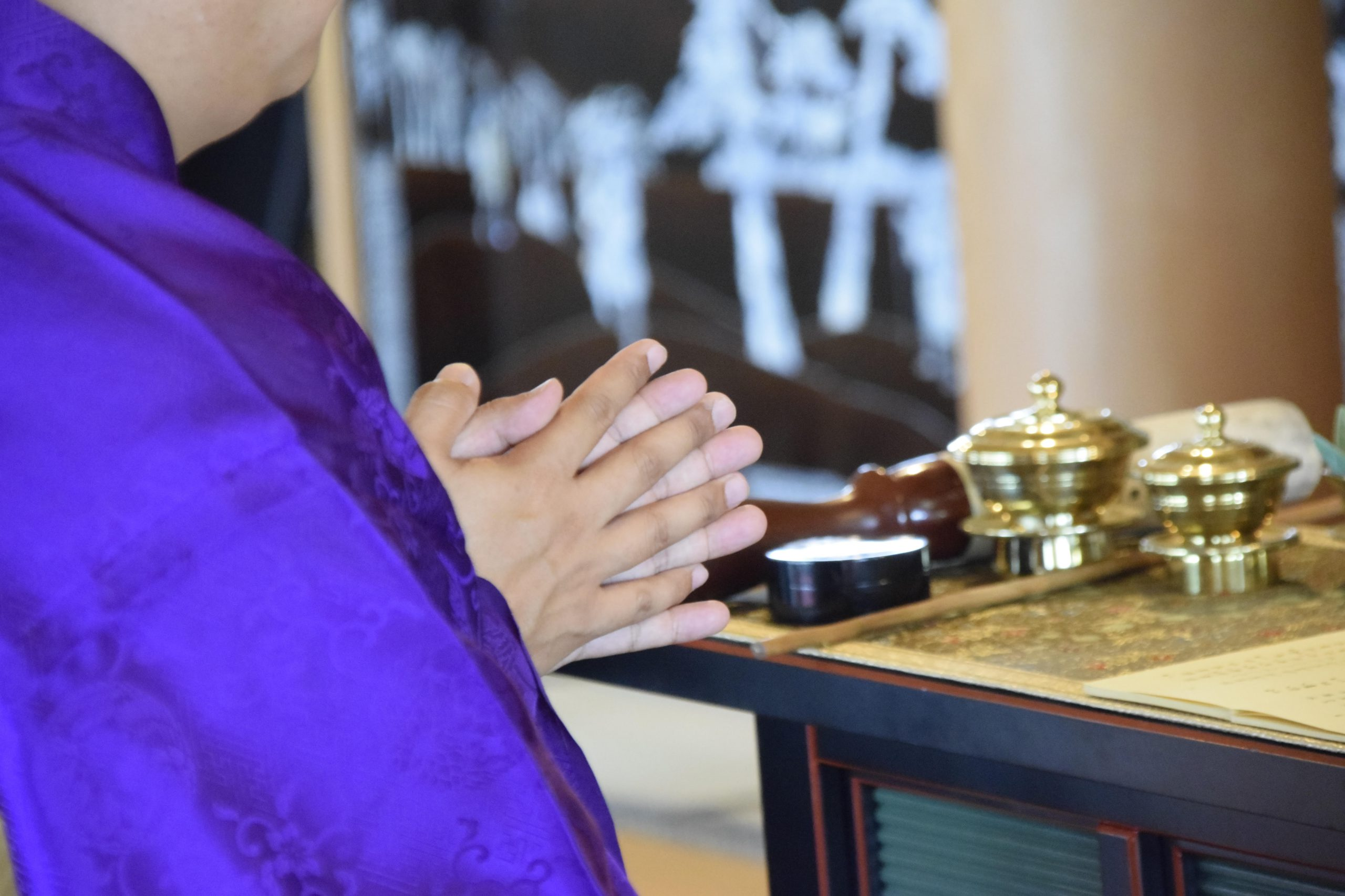 シーセレモニーで手配可能な、散骨での僧侶派遣