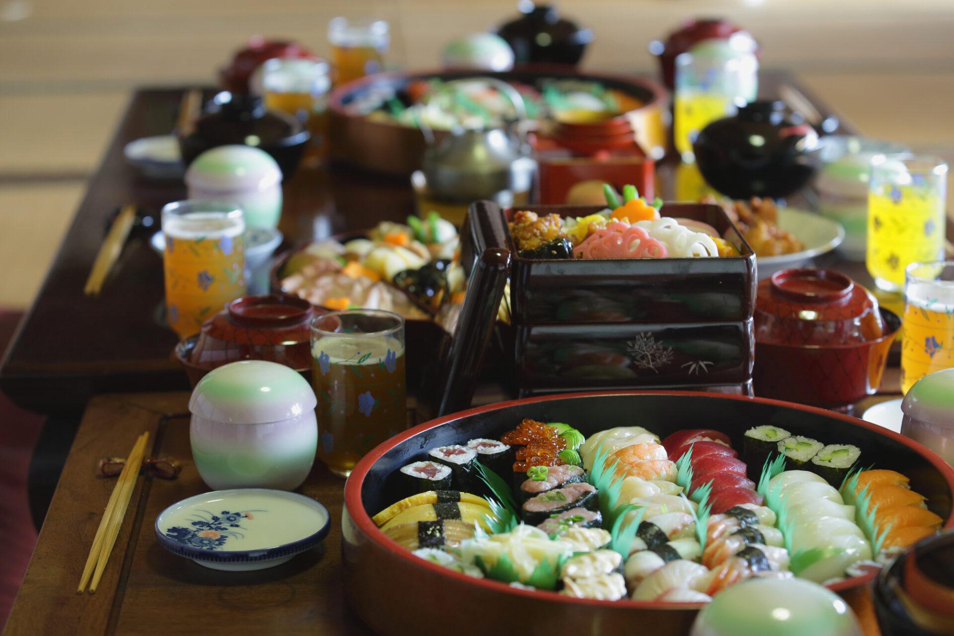 テーブルに並べられたお寿司